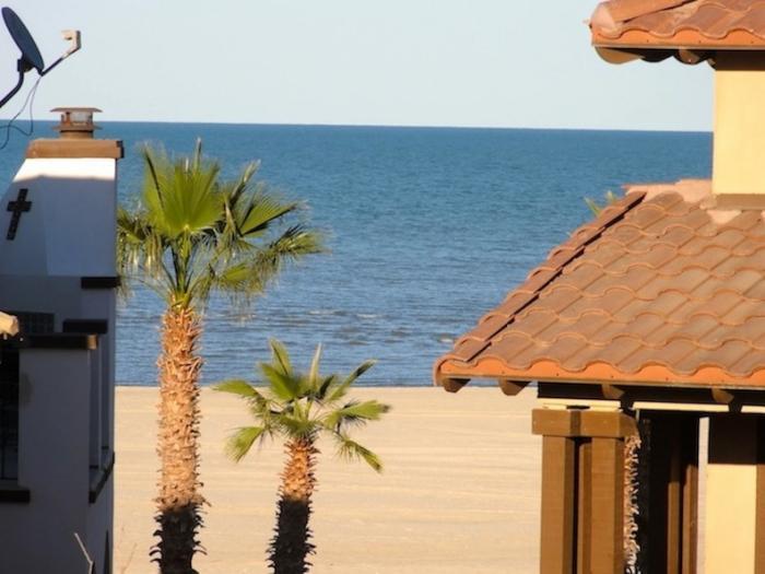 Fabulosa casa de alquiler frente a la playa en San Felipe