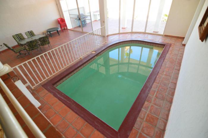 Esplendida casa con piscina en el interior
