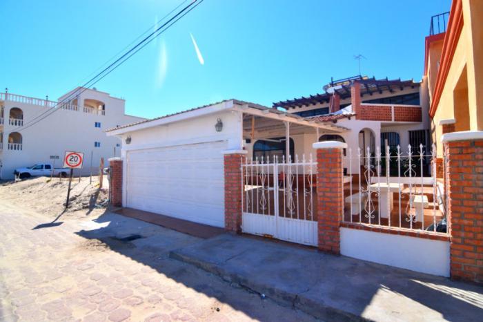 Impresionante casa al lado de la playa, Casa Luis Blanco